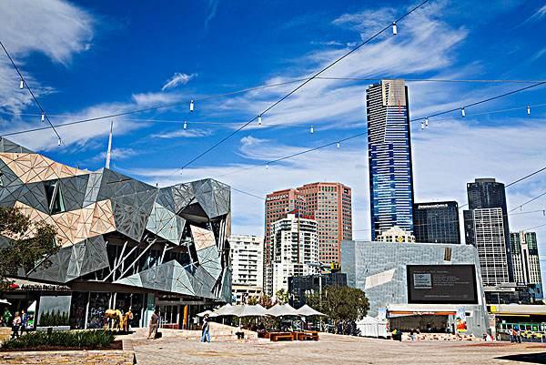 【澳大利亚墨尔本旅游】墨尔本旅游景点推荐 - 联邦广场|熊猫速汇 PandaRemit